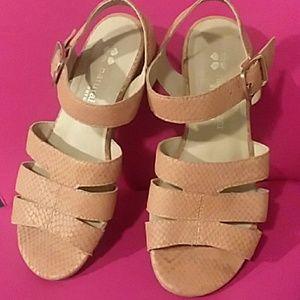 Naturalizer N5 Contour Kaye Tan Sandals